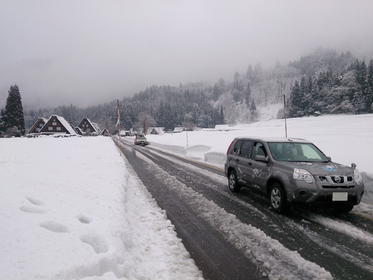 It was a wonderful experience to drive through the silent and traditional villages with snow.