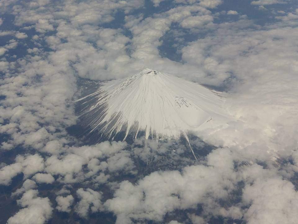 回程返港時於機上遙望的富士山, 優美而不失氣勢。