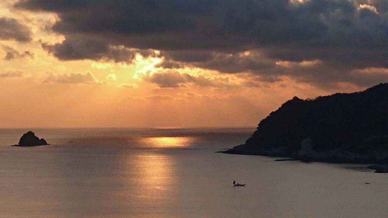 Ito Coast