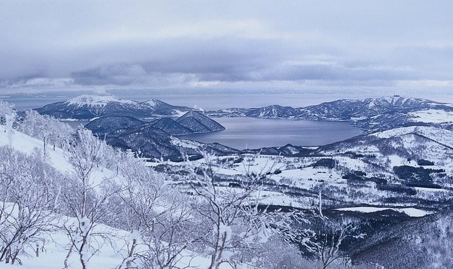 Toyako from Rusutsu (Mt. Isola)