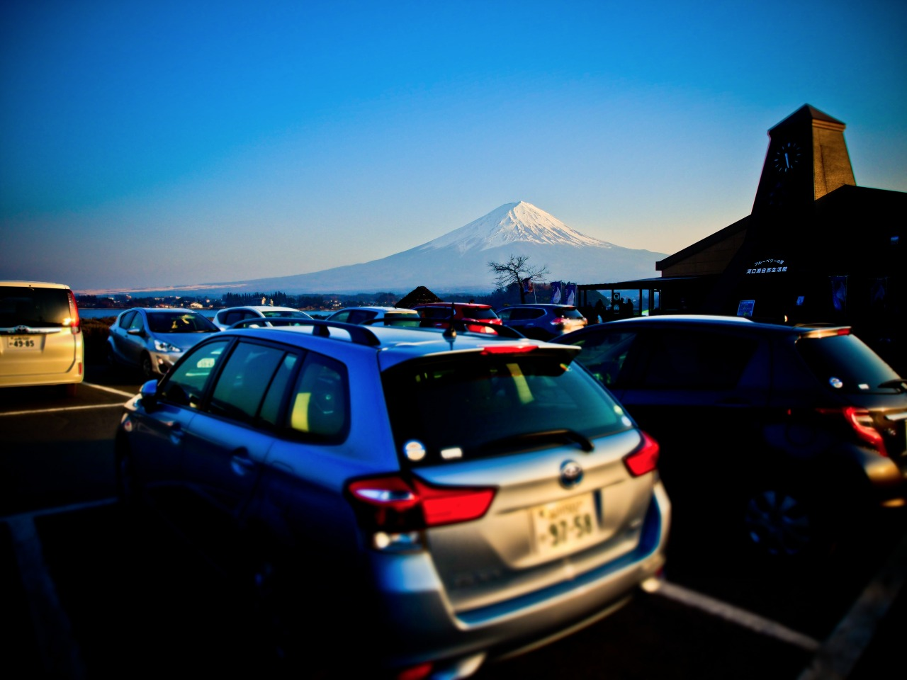 Mt. Fuji view from the rental car @ 大石公園