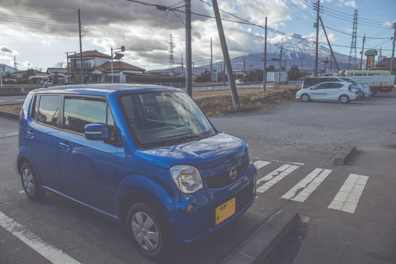 這次利用toocool租用日產汽車, 經過富士山, 富士山十分壯麗, 山頂上有雪!
