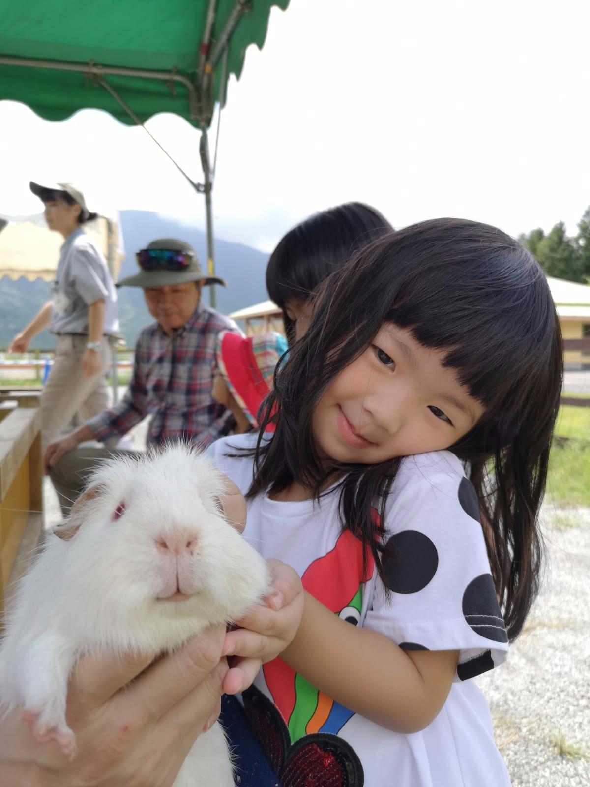 於富士山下親親 Hamster… 好幸福🎇🎆