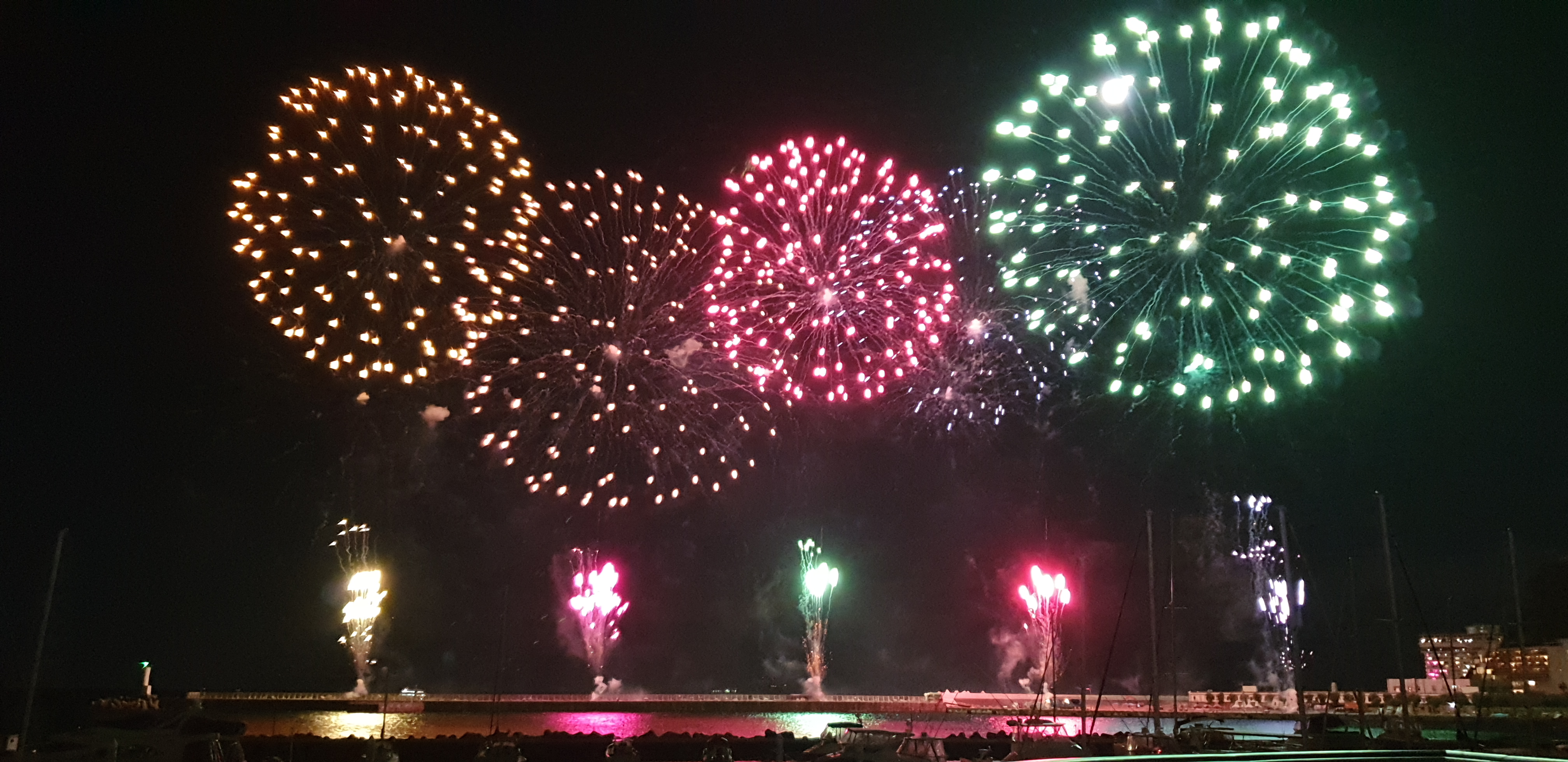 Fireworks with the sea as the background. Awesome!!